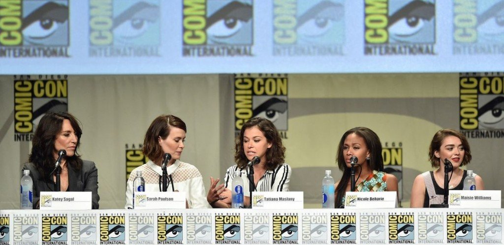 Women-kick-ass-panel
